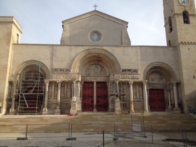 St Gilles façade en cours de restauration