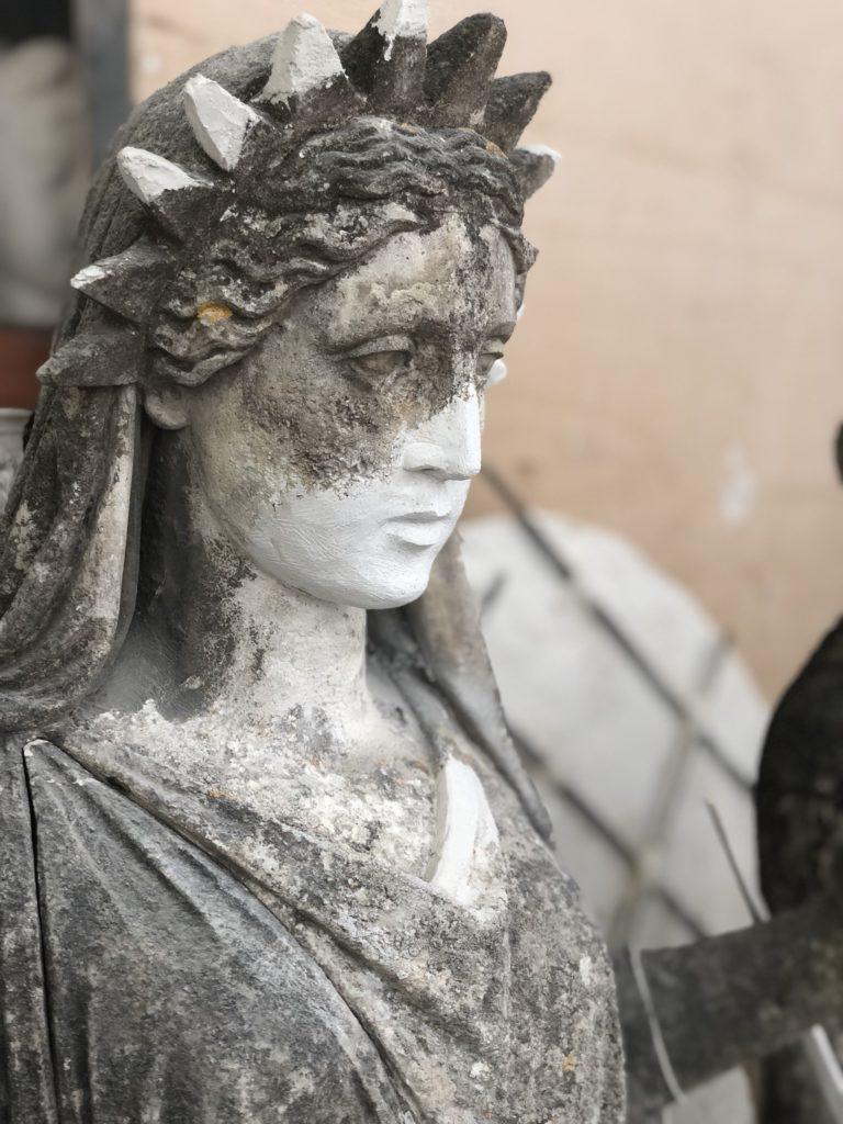 Statue à l'étude