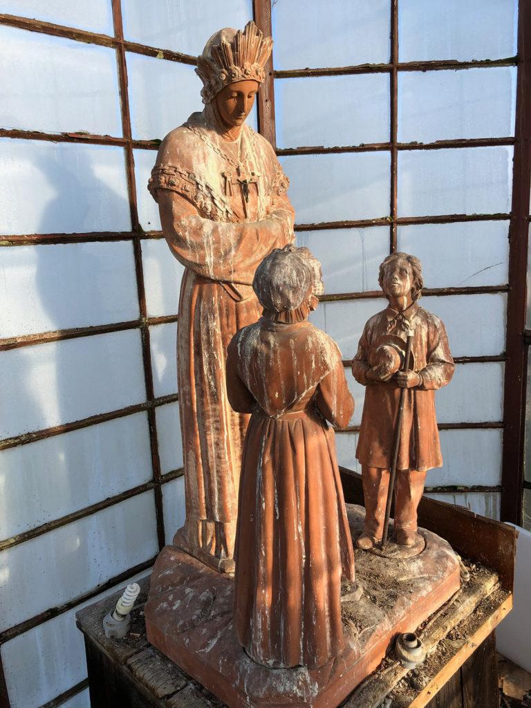 Statues dans la lanterne